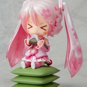 「ねんどろいど 桜ミク」2013年3月、桜に包まれたミクさんが春をお届け!