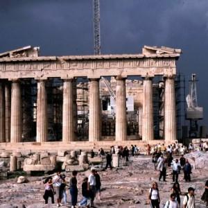 ギリシャ首相「11月16日に国庫が空になるわけだが、それまでには誰かが貸してくれるだろう。でないと破綻するので」