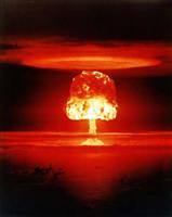 間違えて核爆弾落とす