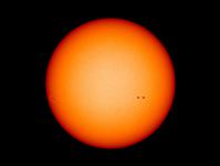 嵐の前の静けさか?黒点がほとんど写っていない太陽の画像を公開/NASA