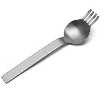日本人「パスタをフォークで掬ってスプーンの上でクルクルー」イタリア人「うわぁ…」