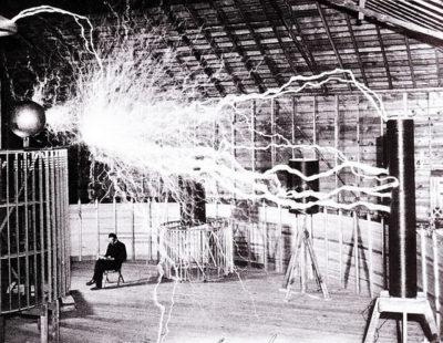 トーマス・エジソン「8時間労働?変なジョークはやめてクレメンス」
