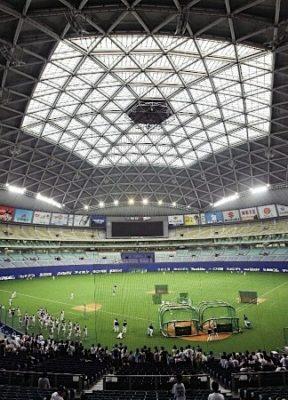 ナゴヤドームって窓ガラス全部ぶち破ったら最高のスタジアムじゃない?