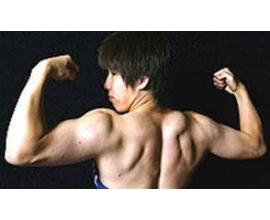 吉田沙保里(156cm56kg)とビーデル(157cm47kg)