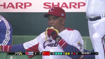 野球とかいうなぜか監督までユニフォーム着てるスポーツwwwwwwww